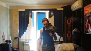 Играем с вороном в дартс