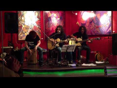 Kopchangjeongol - 미인 (Acoustic) 2012/11/15 @ Creative i Bar, Seoul