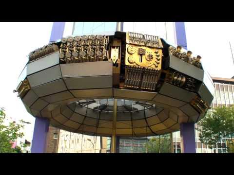 AMAZING MUSIC CLOCK IN SHIBUYA, TOKYO (HD)