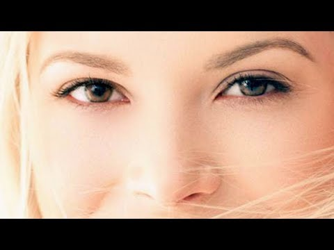 What To Do When A Woman Looks At You? | 3 Ways To Take Eye Contact To Conversation With Women