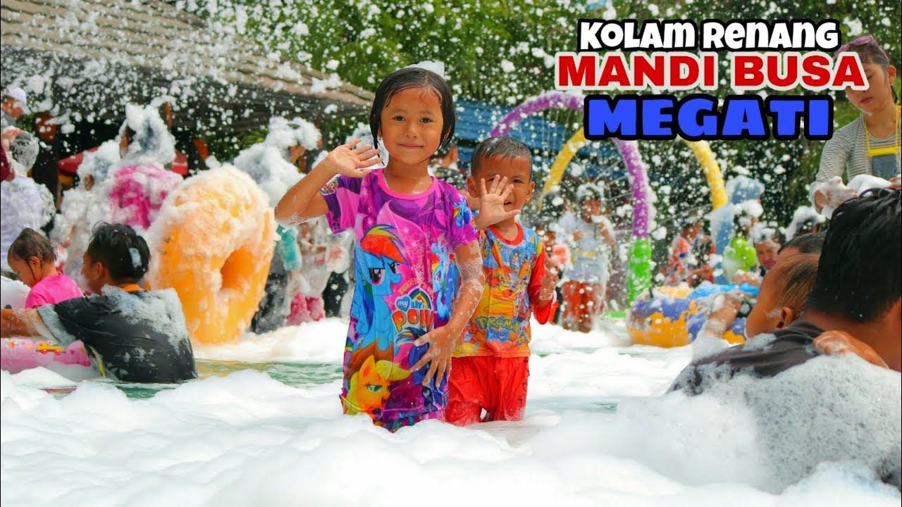 Berenang Mandi Busa Kolam Ombak Megati Water Park Cikarang