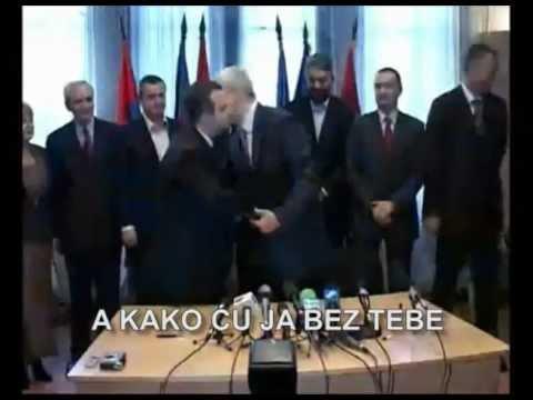 Ivica Dačić Slavi Vaskrsnuti SPS A Boris Tadić Aplaudira
