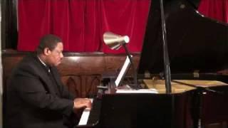 Chris Fleischer, Piano- God Bless America