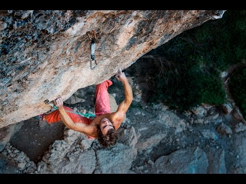 "Chris Sharma in ""Perfecto Mundo"" Project 9b+?"