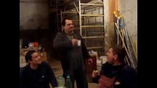Будни водопроводчиков, сварка коллектора ХВС с обмывкой.(Это видео создано с помощью видеоредактора YouTube (http://www.youtube.com/editor), 2014-01-02T21:54:49.000Z)