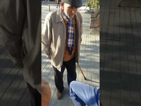 Gitano viejo cantando fandango
