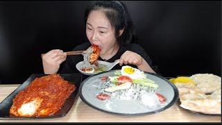 시~~~~원한 흑임자 콩국수랑 실비김치 김치,고기만두 먹방 Black sesame bean noodles, spicy kimchi mukbang