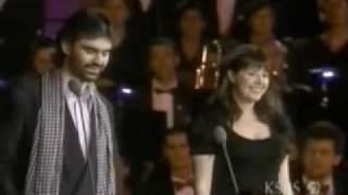 Andrea Bocelli y Sara Brigtman   Por ti Volare - En concierto, MARAVILLOSO   :D
