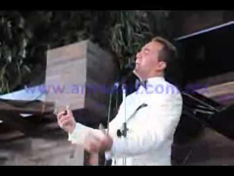 Cristian Castro, Cantando Gotas De Fuego.wmv