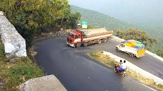 Heavy Load Eicher 12Wheels Lorry Hairpin Bend Turning Dhimbam Hills Road