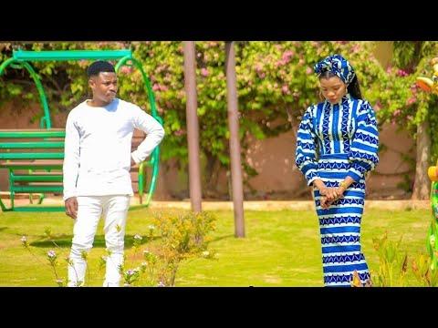 Download Umar M shareef (Ke Nake Yiwa Soyayya) Latest Hausa Song 2021#