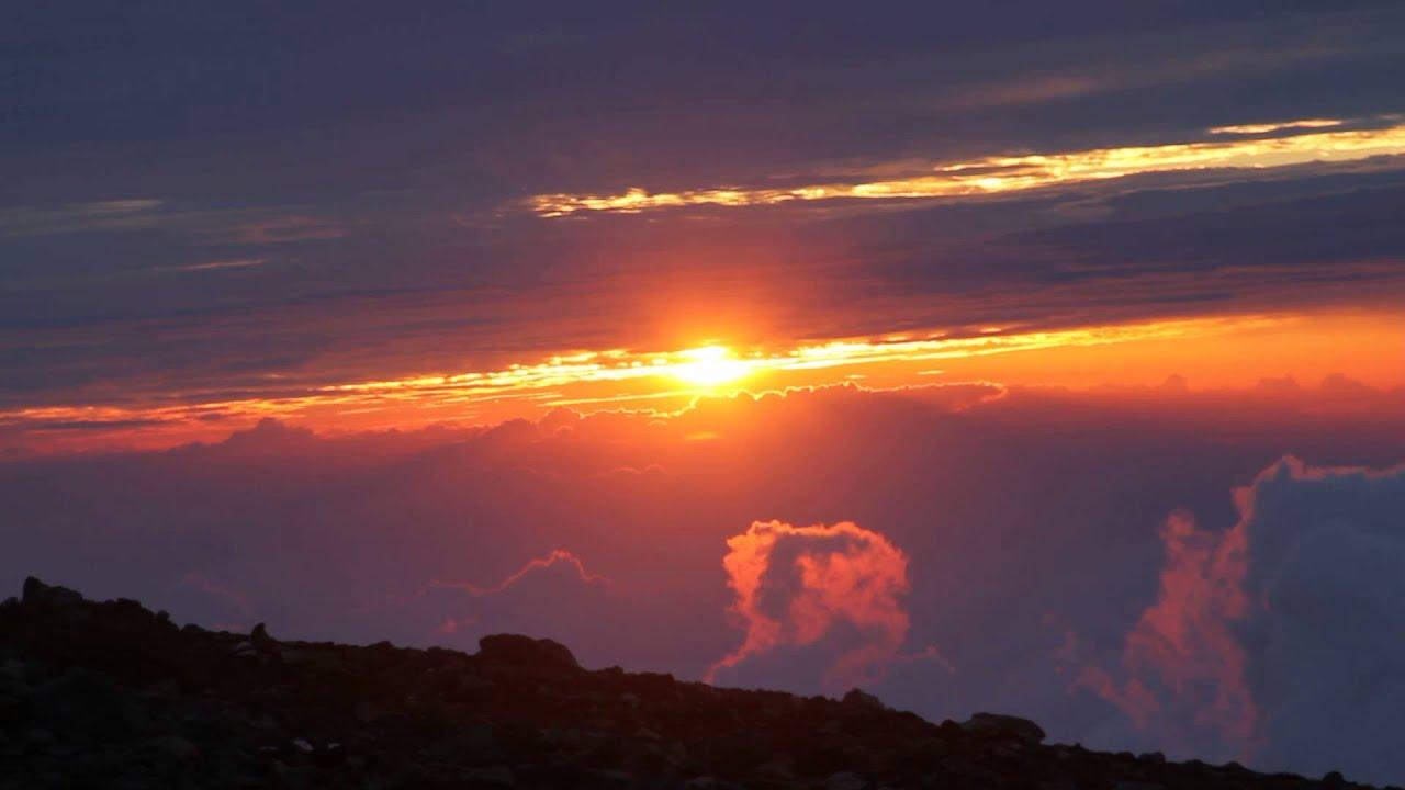 Hasil gambar untuk gunung fuji sunset di jepang