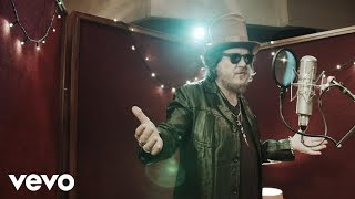 Смотреть клип Zucchero - Streets Of Surrender S.o.s. Ft. Mark Knopfler