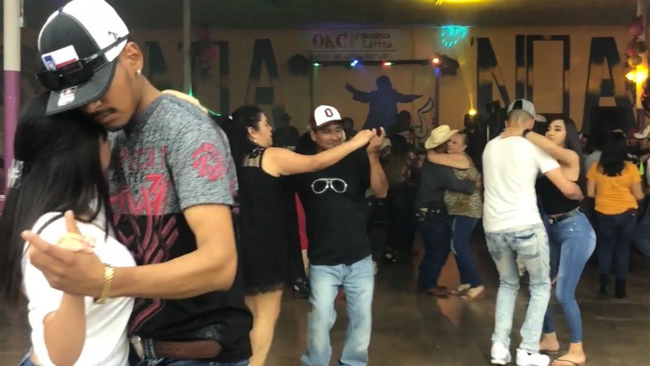 Y así se divirtieron en el baile el domingo pasado !