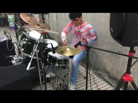 Improvisación de batería- MAURICIO VELAZQUEZ *Los Uyuyuy*