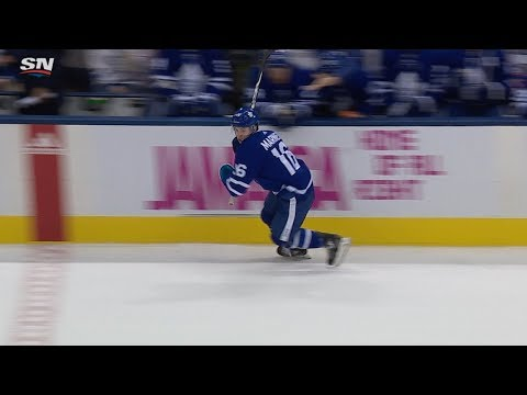 Mitch Marner picks up new stick before setting up Tavares' second goal
