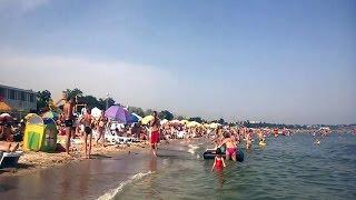 В Одессе пляжи забиты туристами, передаем привет в Крыму(В то время как российские оккупационные власти Крыма просят крымчан немного подождать приезда туристов,..., 2016-06-20T23:21:49.000Z)