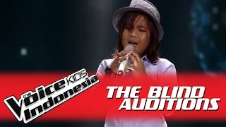 "Gogo ""Butiran Debu"" I The Blind Auditions I The Voice Kids Indonesia 2016"