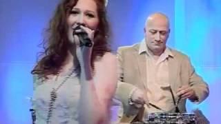 """Kati Sommer mit dem Titel """"zieh mich langsam aus"""" live vom Maimarkt 2011"""