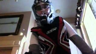 how to be a street hockey goalie,how to make proper a glove save