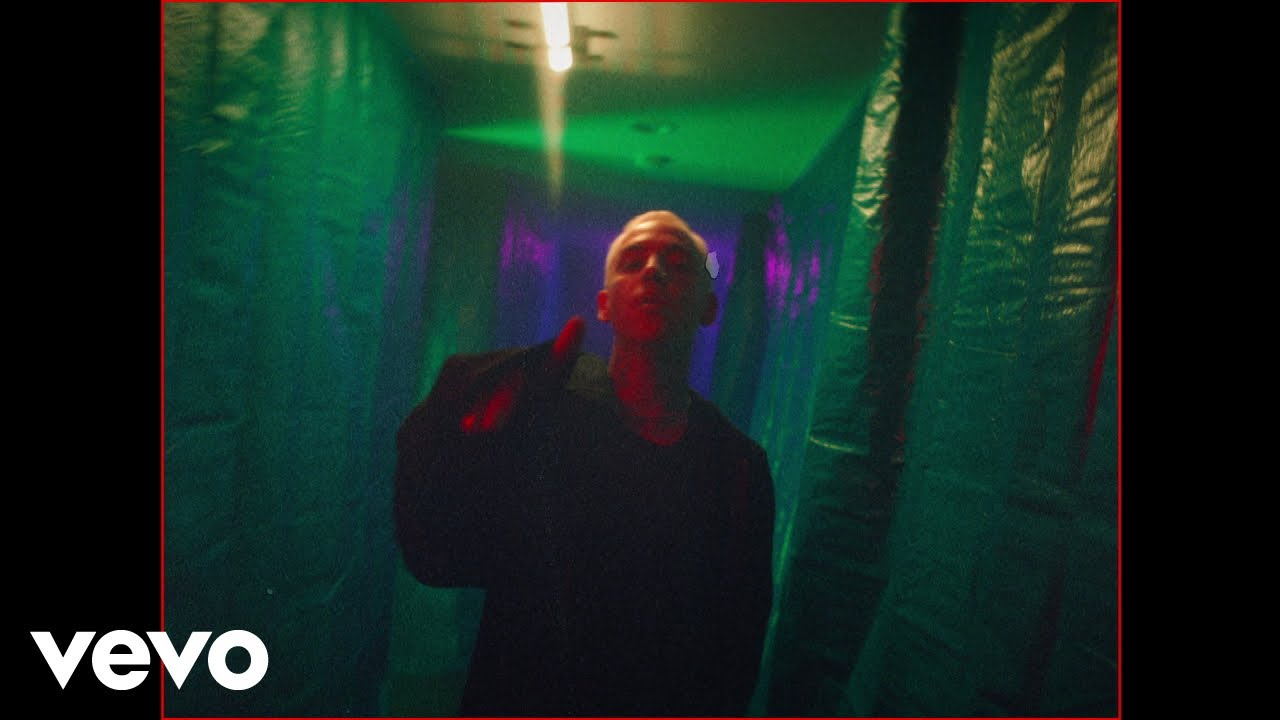 Download blackbear - the 1 (Official Music Video)