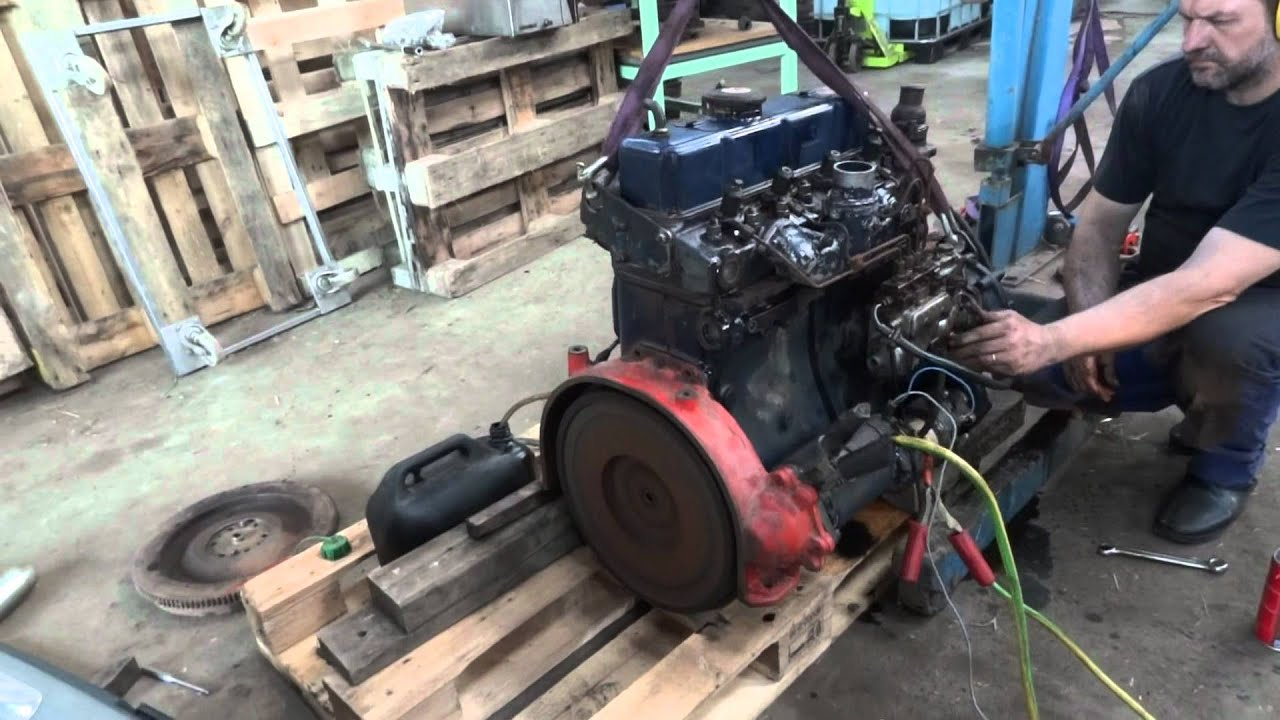 Leyland Tractor Motor 4 98 Mts Youtube