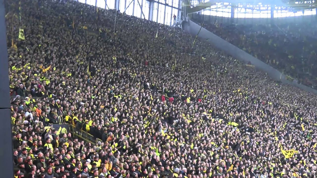 BVB - St. Pauli 2-0 Stimmung Atmosphere FansBorussia Dortmund 19.02.2011