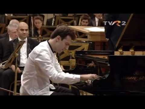 Vassilis Varvaresos, P. I. Tchaikovsky, Piano Concerto no. 1 in b-flat, op. 23: 1st movement