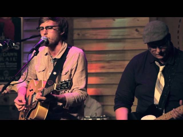 "Folk Family Revival :: ""Fallin'"""