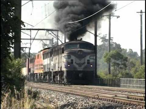 Diesel Engine Working >> Vintage diesels NSW. Smoke belching locomotives - YouTube