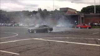 BMW 325i E30 Drifting & Spinning