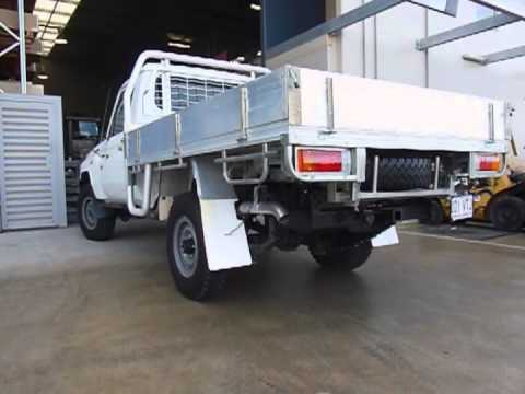 Toyota Land Cruiser V8 Exhaust sound