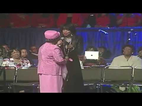 Vicki Winans pays tribute to her mother and Mother Willie Mae Rivers
