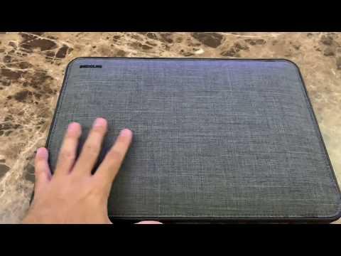Incase sleeve Mac book Pro 15 inch