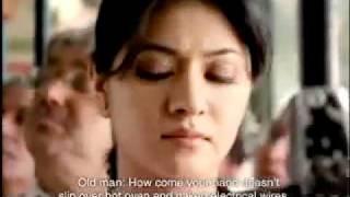 Old man kicks ass! Funny indian news advert - AAJ TAK.MP4