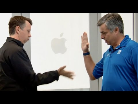 Apple October 2014 Special Event: Handshake gag