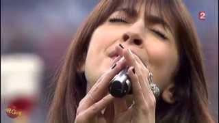 Nolwenn Leroy chante le Bro gozh ma zadoù au stade de France avant la finale Rennes-Guinguamp