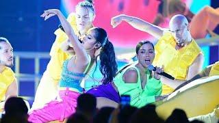 Latin Billboard 2019 - Anitta feat Becky g ( performance de Banana )