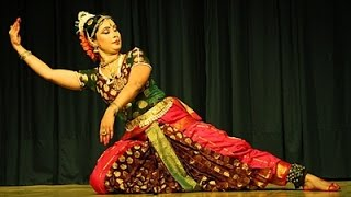 Solo dance performance of a girl on Bollywood songs in south indian style