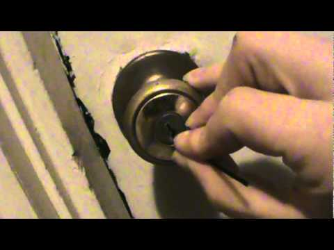 How To Pick A Lock With Only ONE Bobby Pin   YouTube