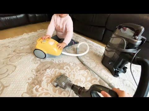 Bosch oyuncak elektrik süpürgesi ve gerçek elektrik süpürgeyle evi süpürdük   süpürge videoları