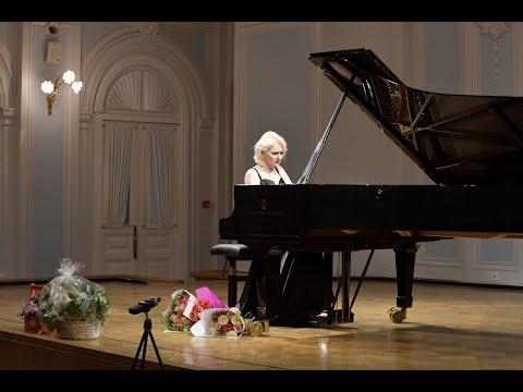 Chopin. Polonaise op. 26 No. 2 in E-flat minor