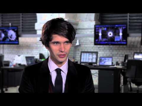 "Ben Whishaw ""SKYFALL"" Interview! [HD]"