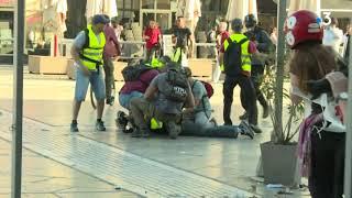 Montpellier : des policiers vêtus de gilets jaunes ont interpellé des casseurs samedi 23 mars 2019
