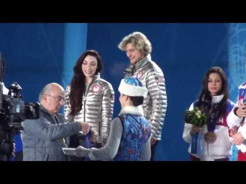Meryl Davis & Charlie White Rare Footage Sochi Gold Medal Ceremony w/Star Spangled Banner