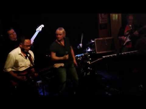 One Way Out  - Tena Nena Nou (Lou An Barton) - Cactus Hengelo 17mei2013