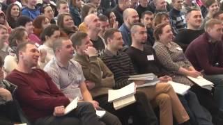 В Першотравенске стартовало обучение в Международном библейском колледже Новое п