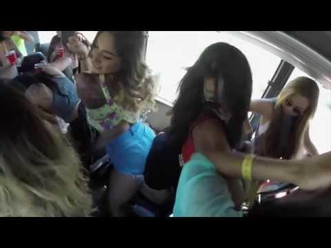 white girl twerking while watching youtube