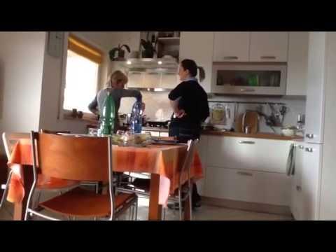 Casalinga scopata in casa - Scopata in cucina ...