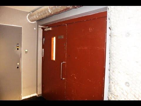 Brødr. Reber (Schindler) freighter + abandoned passenger elevator @ Youngstorget 3, Oslo, Norway
